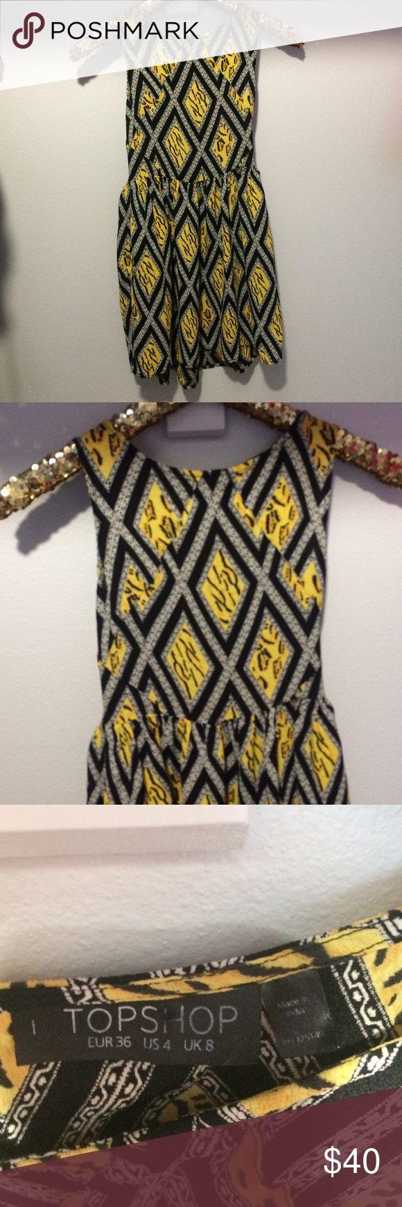 Topshop Dress Topshop dress with side zipper and pockets. Excellent condition. Topshop Dresses Mini