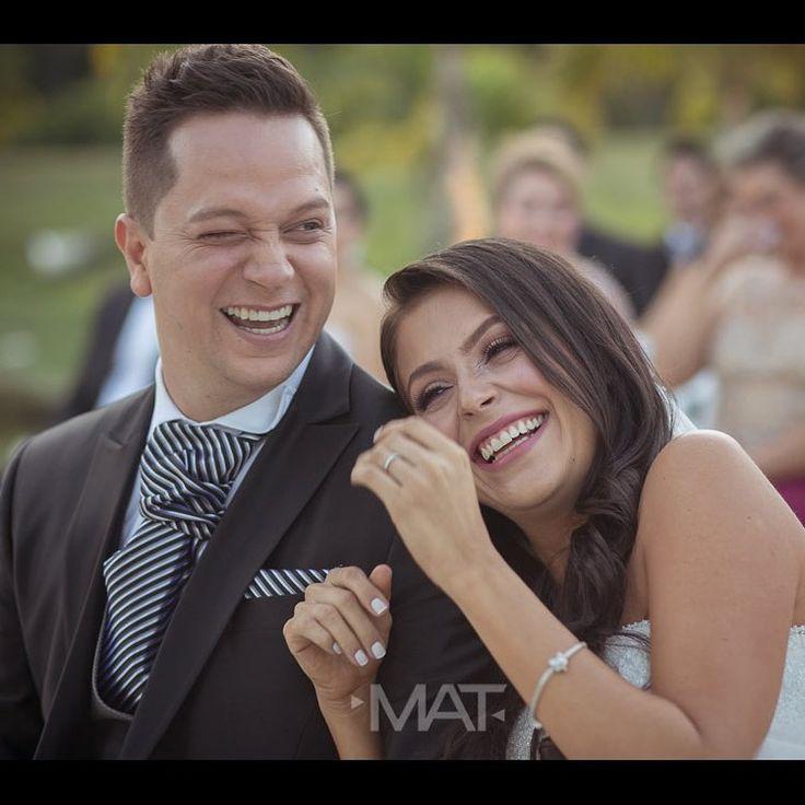 ¡Tu sonrisa, mi energía!  Llama al 3106158616 / 3206750352 / 3106159806 y reserva desde ya, atendemos todos los días de la semana y fines de semana incluido festivos. www.zonae.com  #ZonaE #CasaBali #BodasAlAireLibre #BodasCampestres #weddingplaner #bodasmedellin #bodas #Eventos #boda #wedding #destinationwedding #bodascolombia #tuboda #Love #Bride Foto @matfotografia