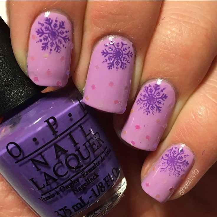 """Here is My snowflake mani for the #themedthursdayjan challenge that @kellimarissa and @wondrouslypolished are hosting! I hope you all like them! I used @opisverige """"start-to-finish"""" and """"Lost My Bikini in Molokini"""" and a purple polish from @bornprettystore as base Color and Their stampingplate """"BP-01"""" . . #nailart #nails #snowflakenails #winternails #opi #opinailpolish #lostmybikiniinmolokini #glitternails #nailchallenge #nailartchallenge #nailartaddict #nailaddict #opisverige #opifinland…"""