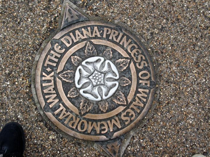 Diana, Princess Of Wales Memorial Walk These medallions