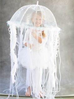 Originelle Kostüm Idee - Regenschirm für eine Qualle