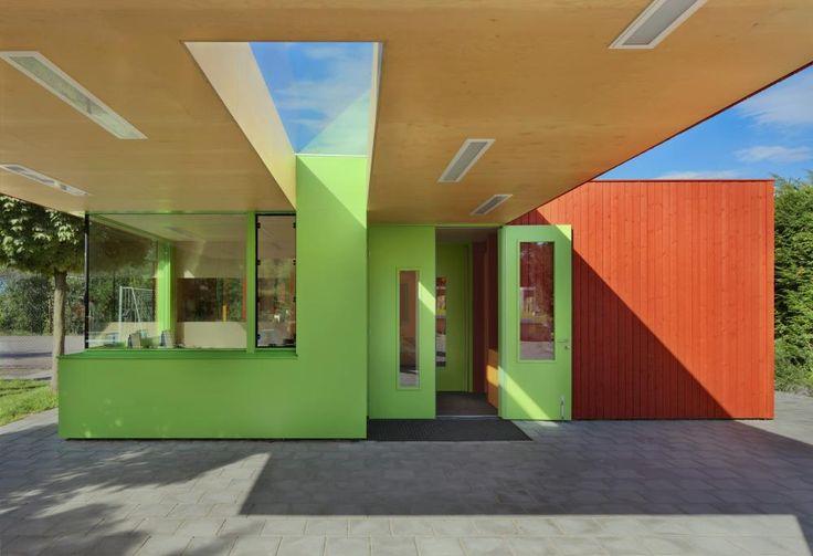 Playground building by Rooijen Architecten , Netherlands