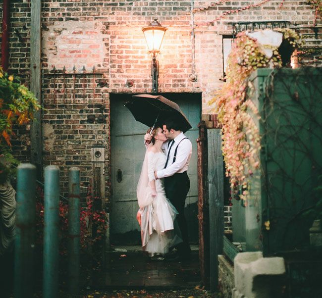 RAINY Chicago Fall Wedding: Ashley + Andrew by The Carrs Photography - via greenweddingshoes
