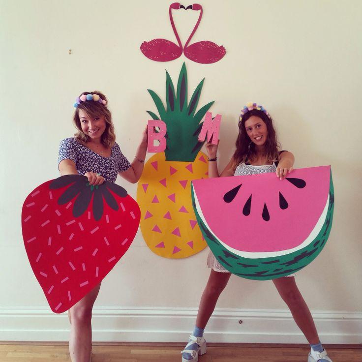 Set design, props, wedding DIY, costume, fance dress, fruit, pineapple