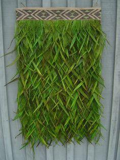 Flax korowai