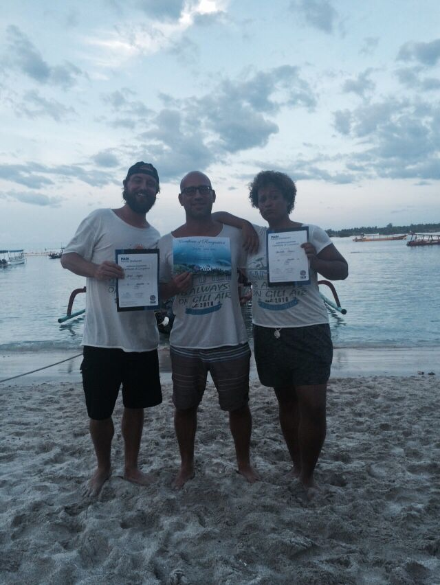 New PADI Instructors at PADI IDC Gili Air in Indonesia Http://www.indonesia-IDC.com
