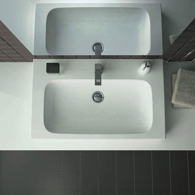 Porządek w dobrym stylu!  #KOŁO #łazienka #inspiracje #łazienki #design #umywalka #washbasin #ceramics #designideas #interiors #interior #interiordesign #instadecor #instadesign #design #lustro #mirror