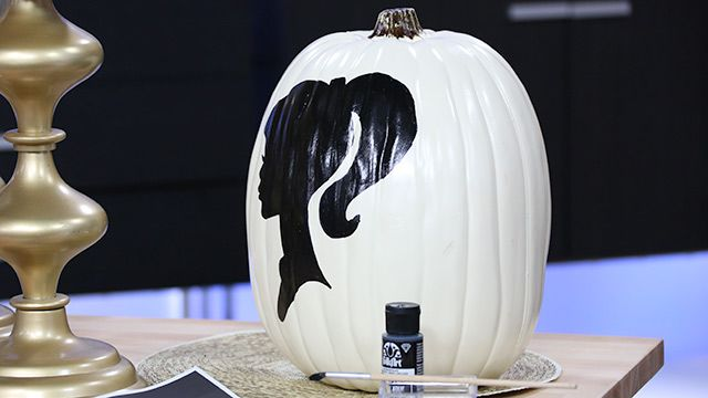 Silhouette Painted Pumpkin #DIY #Halloween