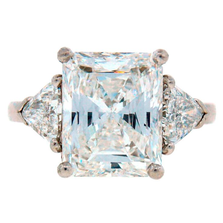 Magnificent three-stone engagement / anniversary ring created by Cartier. Circa 2000-2010