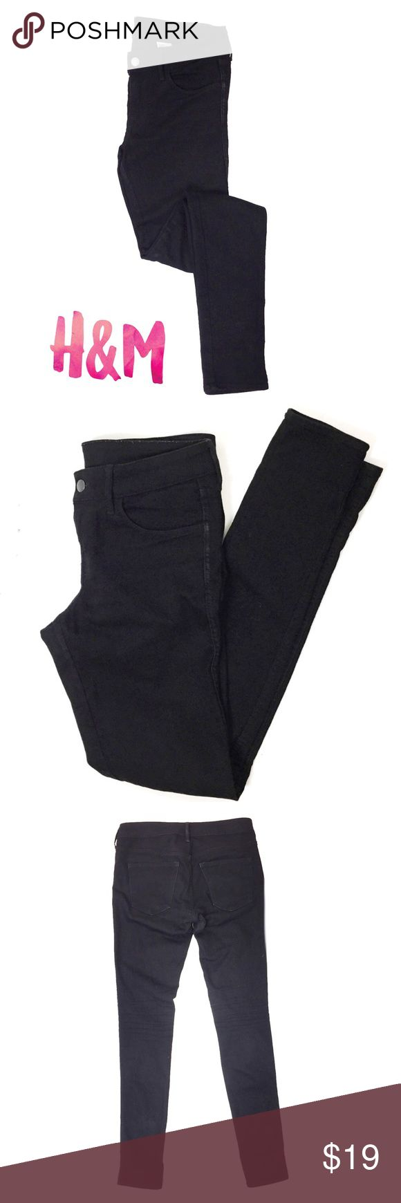 "H&M Low Waist Skinny Black Jeans Women's SZ 28 Great gently used condition. Black super skinny jeans by H&M. Very flattering fit.  Waist 30"" Hips 30"" Inseam 32"" H&M Jeans Skinny"