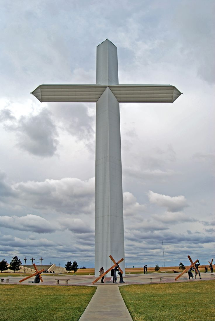 Photo Tour of the Cross of Jesus in Groom, Texas... have been here several times. as a kid on the truck with my parents we would pass this every week going east coast to west...
