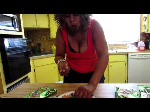 GloZell's Warhead Challenge ... Epic Fail due to her mother made me want to fall out of my chair laughing