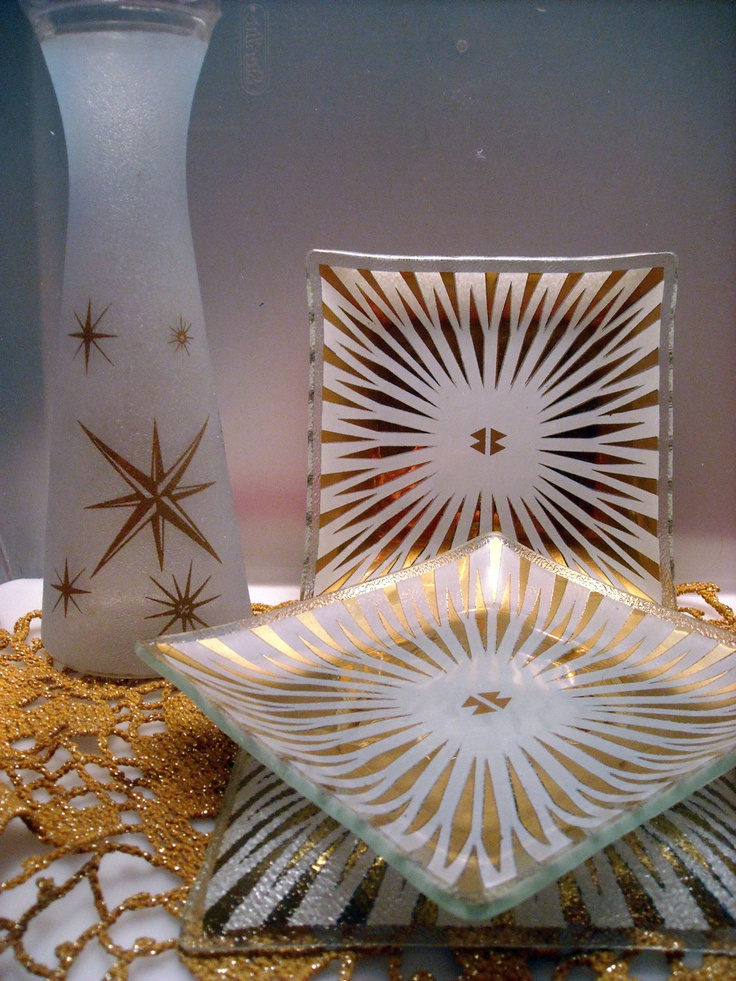 Mid Century Atomic Star-burst Mad Men frosted fired on Orange peel glass carafe vase with three small candy nut dishes
