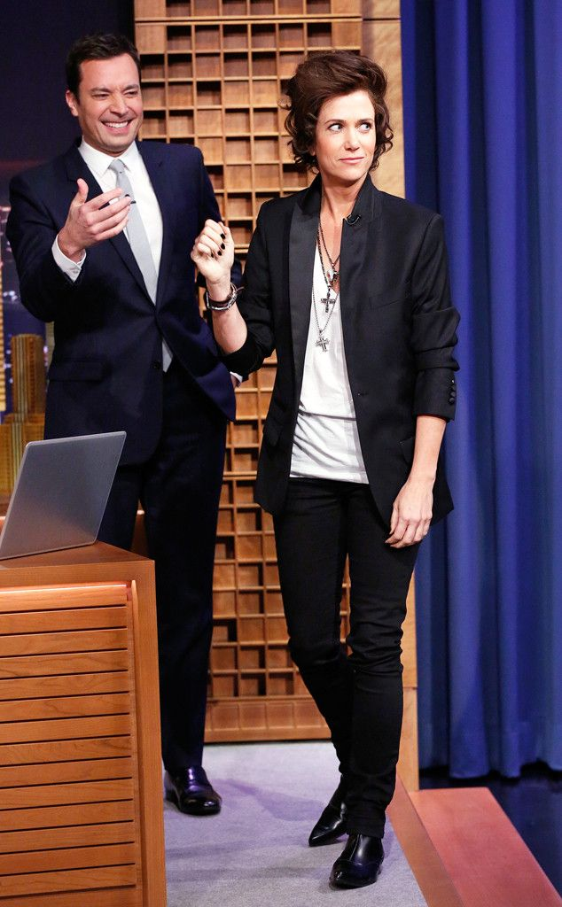 Kristen Wiig impersonates Harry Styles on The Tonight Show with Jimmy Fallon