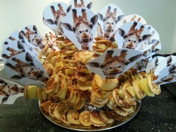 versie 2 van giraffenekken met appel en poffertjes.