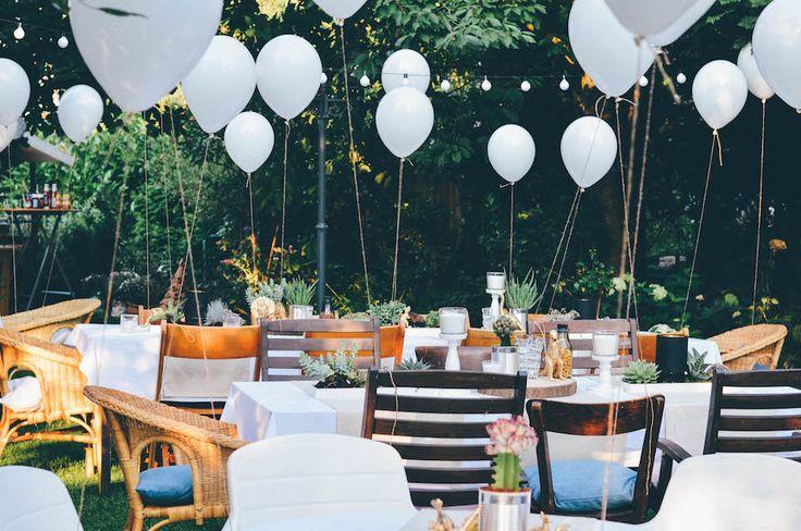 Annies garden wedding decor / succulents / Dinosaur / Decor Idear / Hochzeitsdeko / low budget / Sukulenten / Dinosaurier / Ikea / Wedding cake