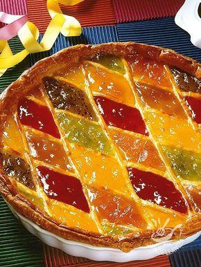 Ecco una ricetta ideale quando si ha voglia di un dolce semplice ma squisito. La Crostata di Arlecchino alla confettura è un dessert intramontabile!