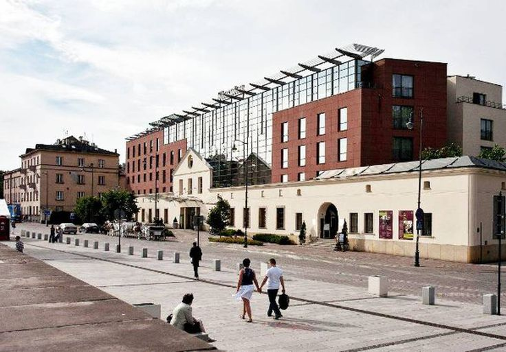 Invesco Real Estate  a global real estate investment manager is pleased to announce that it has acquired the 232-room Sheraton Grand Hotel Krakow for 70m on behalf of one of its UK pension fund separate account clients.
