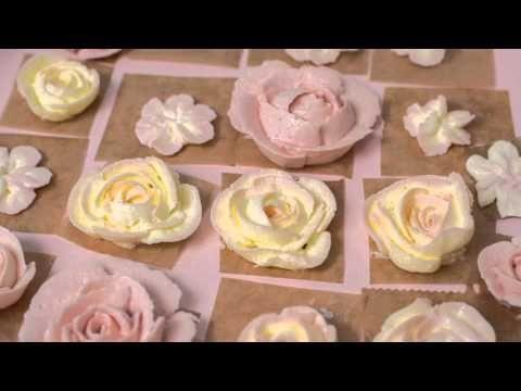 Buttercreme-Blumen Torte zusammensetzen | Dekorieren und Verzieren mit Buttercremeblumen - YouTube