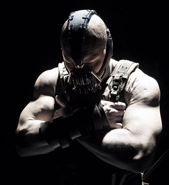 As if he wasn't beautiful enough already! Thomas Hardy was a BEAST as Bane. I never wanted to hug a villain until now.