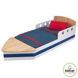 Super stoer in elke slaapkamer: boot kleuterbed van Kidkraft. Dit bed heeft een handige opbergruimte aan het voeteneinde. Het bed   is laag, zodat  kinderen er gemakkelijk in kunnen stappen. Met dit bed   wordt de overgang  van een ledikant naar een eenpersoonsbed zo soepel   mogelijk gemaakt. Het bed wordt geleverd inclusief bedbodem, welke voorzien is van ventilatiegaten.Let op: matras, kussen en bedlinnen niet inbegrepen. Verpakt met gedetailleerde en stapsgewijze montage-instructies.