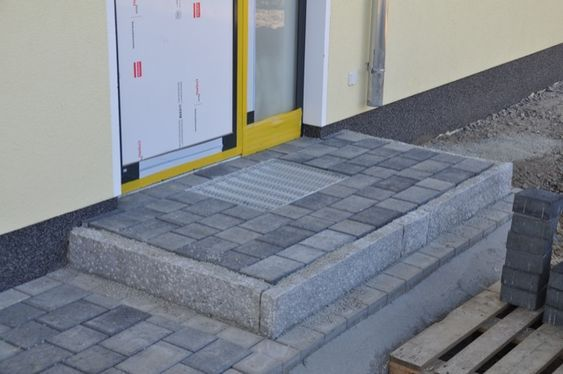Aus Granit & Pflaster – Unser Eingangspodest