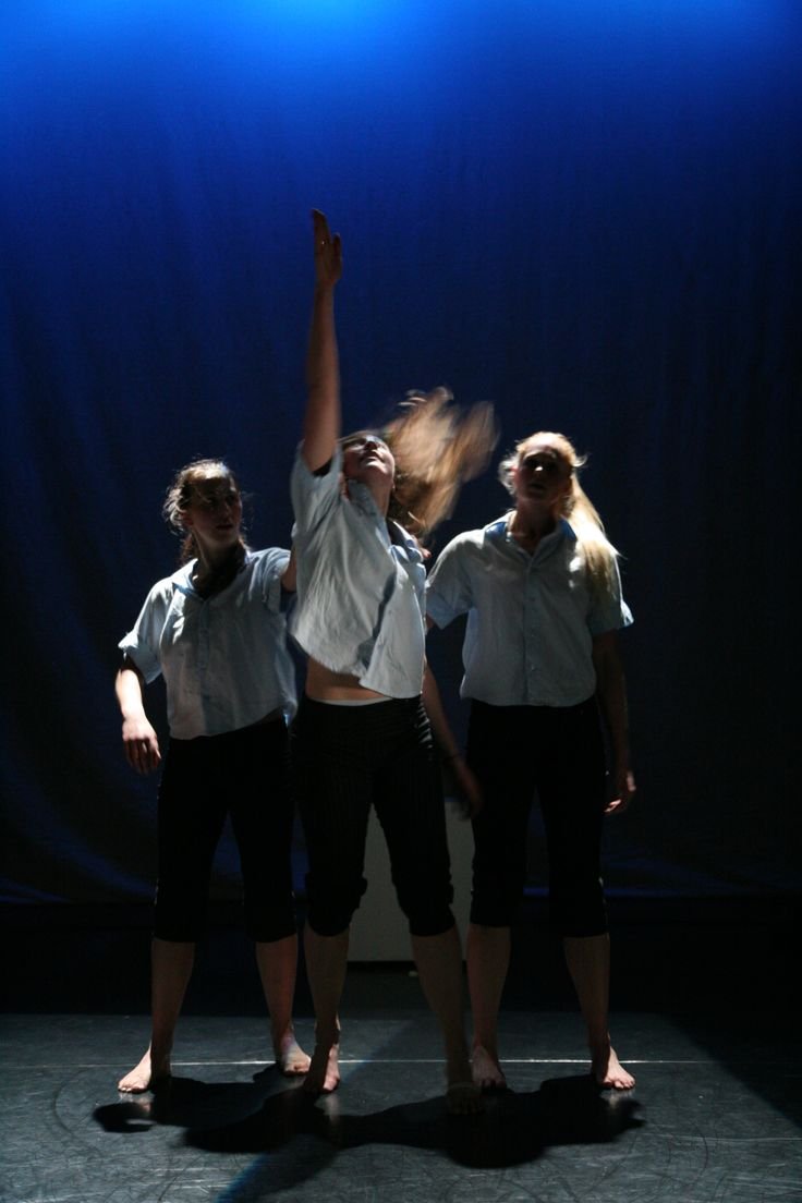 Java Dance Company. Rush Hour 2005. The Body Festival, Christchurch. Dancers Rosanne Christie, Yasmine Ganley, Sacha Copland