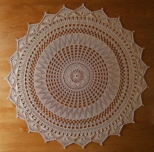 """Between Meal Centerpiece"" by epawelko, via Flickr Wonderful library of  vintage doily patterns all free"