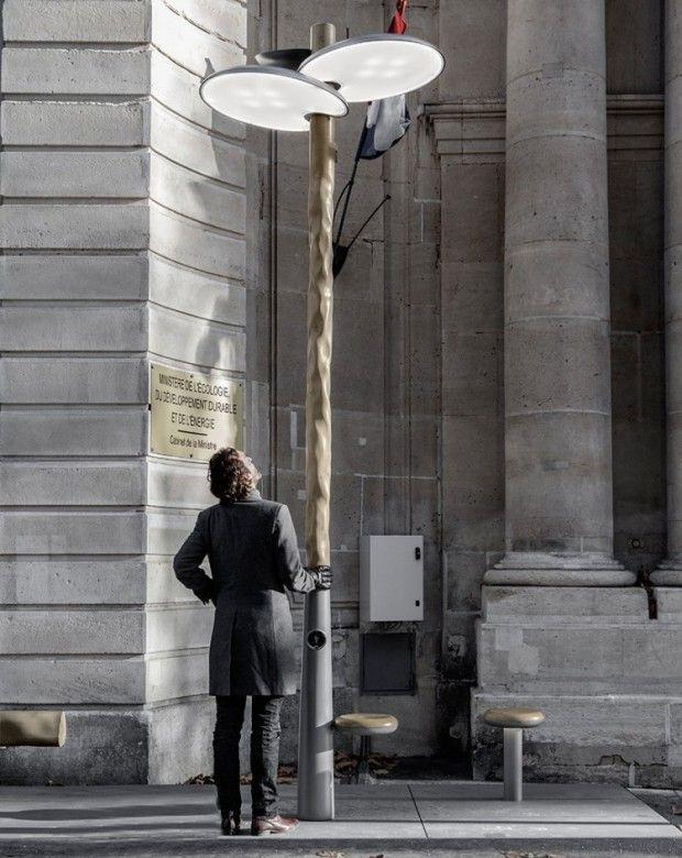 Installé à l'occasion de la COP21, ce projet de mobilier urbain pour l'éclairage, la pause et la recharge du designer Mathieu Lehanneur est baptisé «Clove