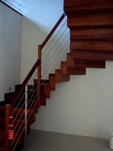 Schody drewniane - inspiracje, wzory schodów, wygodne schody. Galeria