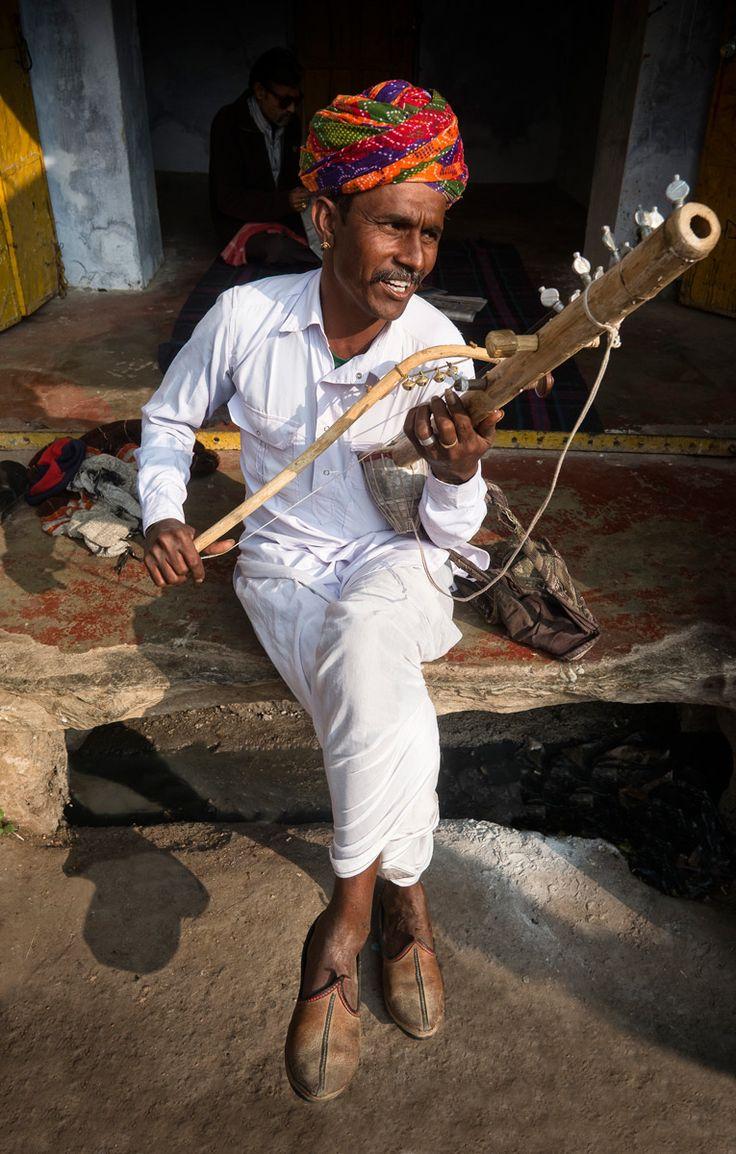 Músico de la tribu bhopa  - Rajastán, un viaje en el tiempo