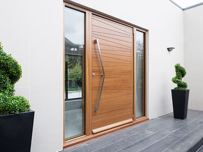2 : milano in american black walnut with option 11v handle with two clear sidelites