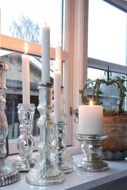 silver candle sticks - via Mor til MERNEE