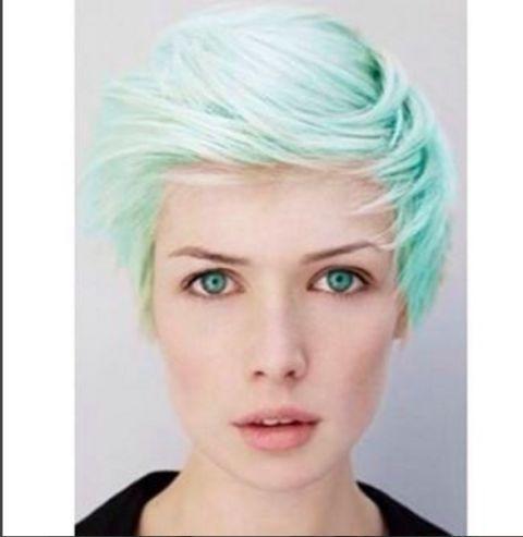 #mintgreenhair: i capelli verde menta sono very cool!