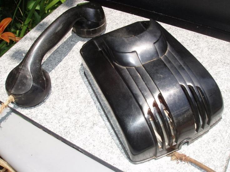 Art Decó Wall Phone - Bat Phone