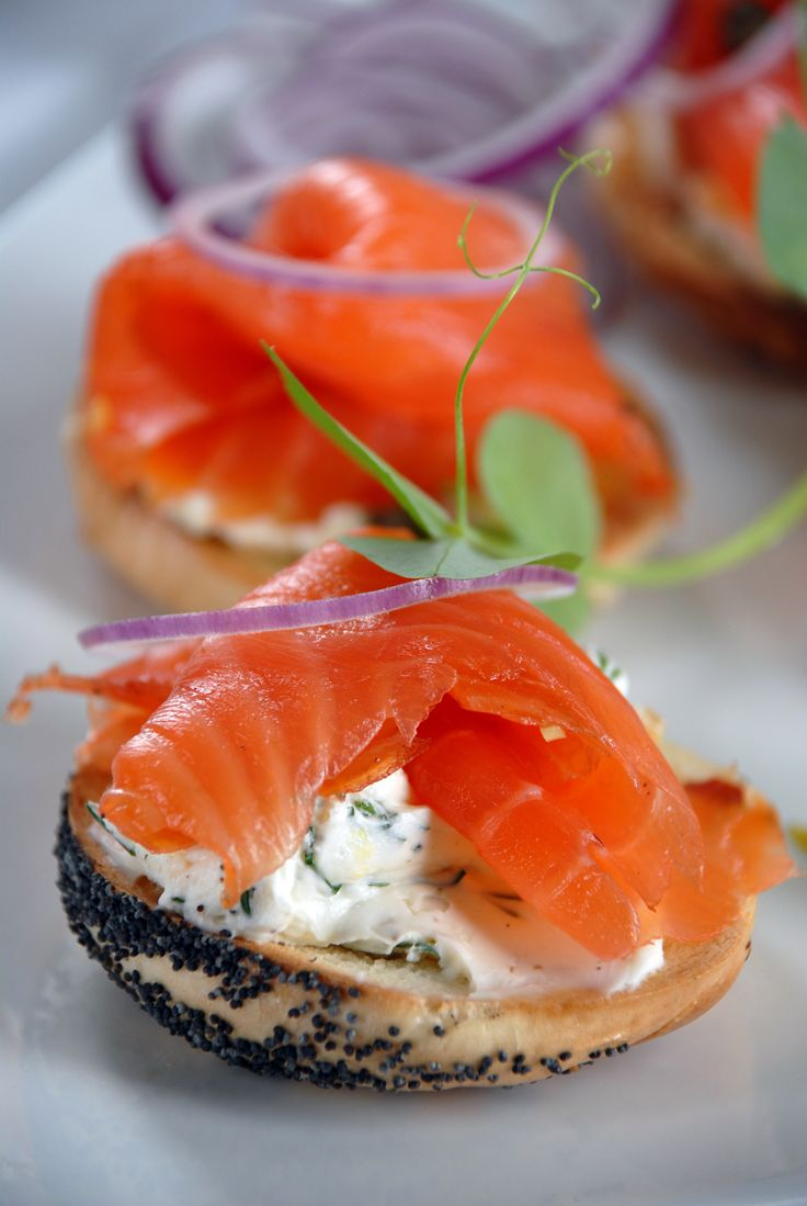 This Cured and Smoked Salmon recipe by former CFL quarterback Matt Dunigan is perfect for a game day snack: http://gustotv.com/recipes/lunch/cured-smoked-salmon/