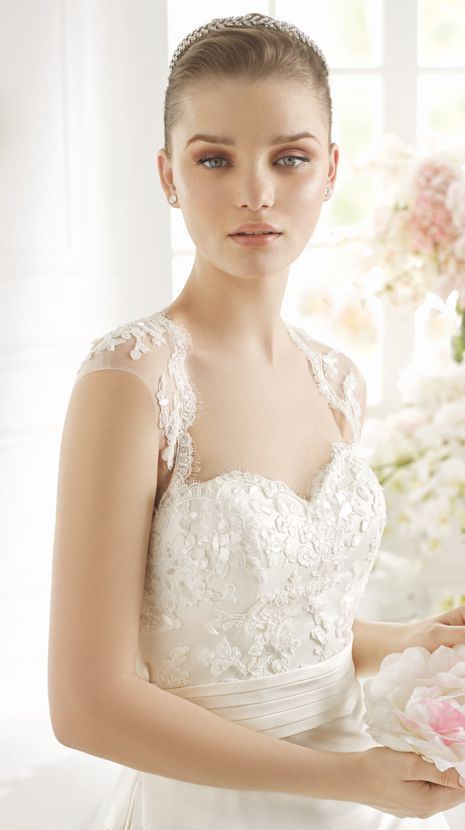 PAYNE | Bridal Gowns | 2015 Collection | Avenue Diagonal (close up)