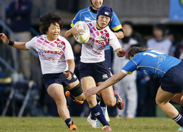 Japan's Mifuyu Koide runs at the Kazakhstan defense during the second leg of the Asian qualifiers for the Rio Olympics rugby sevens competition in Tokyo on Sunday. (2021×1460)