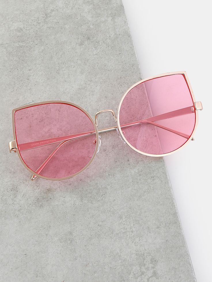 Go for a vintage feel with the Oversized Retro Inspired Sunglasses! Features a metallic frame, see-through colored lens, and a retro inspired tear drop silhouette. #pastel #MakeMeChic #style #fashion #newarrivals #fall16