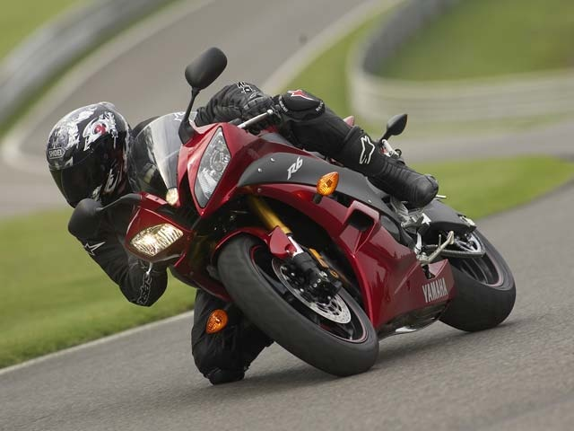 2007 Yamaha Yzf R6 Red Track Action