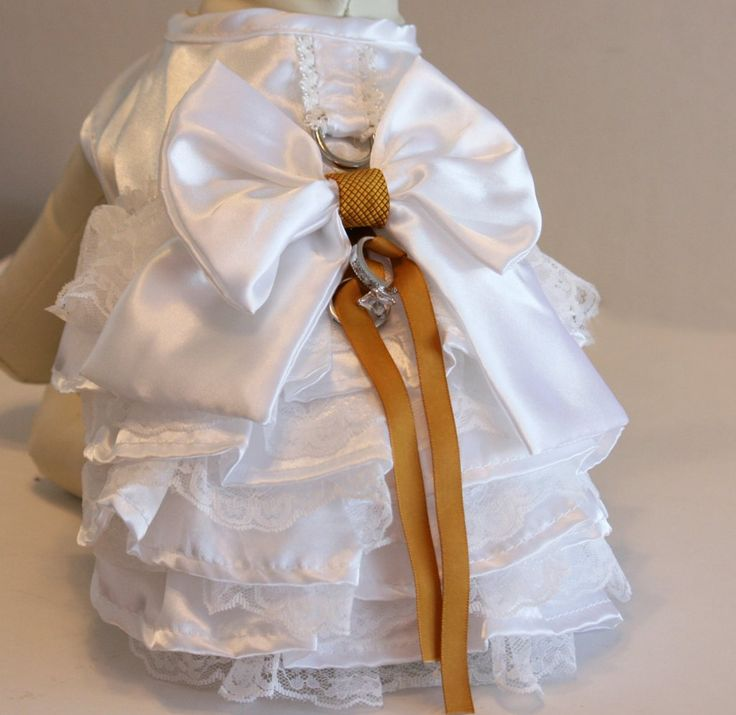 Gold and White Dog dress, Dog ring bearer, Gold Wedding accessory, Gold Wedding idea, Chic, Pet lovers, Ring Pillow