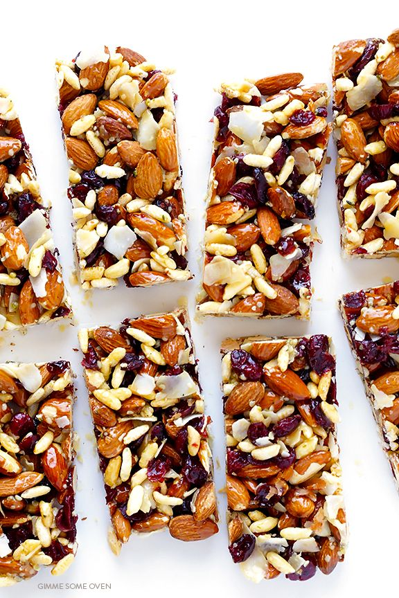 These cranberry almond protein bars are full of protein-packed ingredients, easy to make, naturally-gluten free, and absolutely delicious!