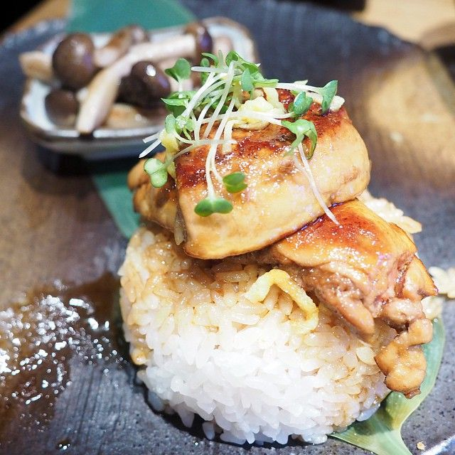 "Foie gras ""don""  Price: £16.5  Kittealuv喜愛程度: 8/10  Service: 8.5/10  Golden fried foie gras with japanese sweet soy sauce in the rice and some buttered mushroom at the side!! Perfect portion to hv it as a main with their famous volcano sushi rolls!!! .  Feel free to SNAPCHAT me any GOOD FOOD!!!! .  Address: Dozo Sushi London UK"