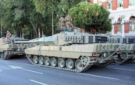 Carro de combate principal Leopard 2E del Ejército de Tierra Español, BRIAC XII. #rojoygualda