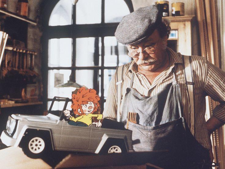 Der witzige Hauskobold Pumuckl wird heute 55 Jahre alt. Anlass genug sich Fakten rund um den kleinen Kerl genauer anzuschauen