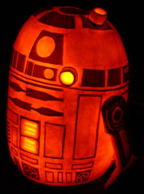 R2D2 Pumpkin And a Death Star Pumpkin Carving How-To @Craftzine.com blog