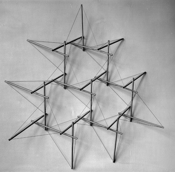 Snelson's 1961 model of tensegrity truss