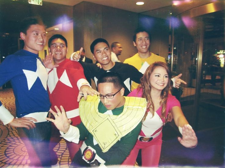 Me and my friends made #DIY #Power #rangers #costumes for #halloween  sc 1 st  Pinterest & 30 beste afbeeldingen over Halloween costumes op Pinterest