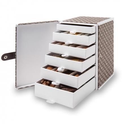 Luxury - Monogram Drawer Box/ Artisan du Chocolat : sans les chocolats, bonne…