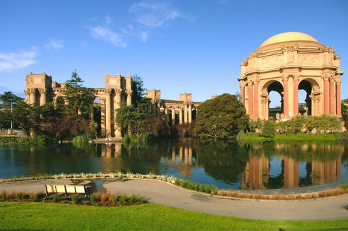 The Palace of fine arts is a great place to feed the ducks and people watch as well as watch shows.  This is the former home of the Exploratorium.